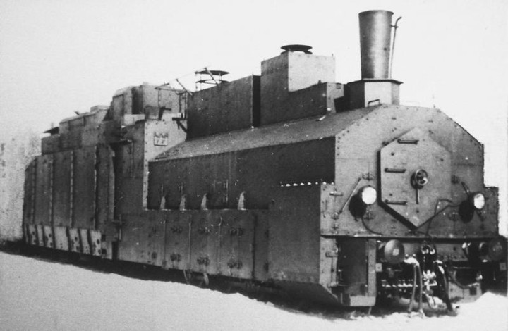 советский бронепоезд